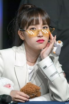 """트위터의 꿈나라🐧💝 님: """"190505 일지 🐧💖 하고픈 말 못하고 엉뚱한 얘기만 했어🥺 내가 이래😭 #FANCY 🤟 #TWICE #트와이스 #MINA #미나 #ミナ @JYPETWICE… """" Nayeon, Kpop Girl Groups, Korean Girl Groups, Kpop Girls, My Girl, Cool Girl, Twice Group, Sana Momo, Jihyo Twice"""