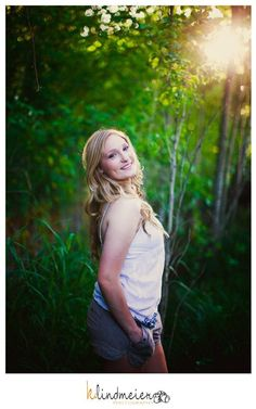 loving this natural light in this senior image