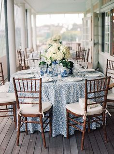 alabama southern belle - Shit just got real - tischdekoration hochzeit Southern Belle, Southern Charm, Mantel Azul, Brunch Table, Brunch Decor, Enchanted Home, Round Side Table, White Decor, Home And Living