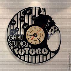 """Часы для дома ручной работы. Ярмарка Мастеров - ручная работа. Купить Часы из пластинки """"Totoro"""". Handmade. Комбинированный, totoro, часы"""