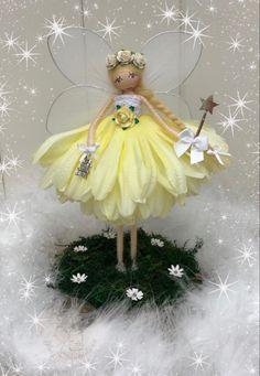 Fairy Wands, Fairy Pictures, Clothespin Dolls, Flower Fairies, Clay Dolls, Fairy Dust, Library Ideas, Fairy Dolls, Fairy Houses
