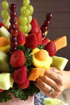 How to Make an Edible Fruit Bouquet   TheSuburbanSoapbox.com