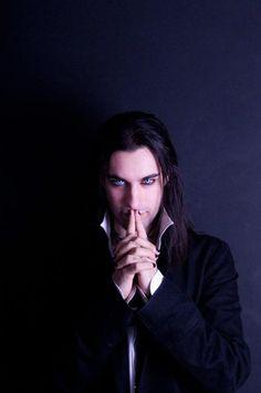 I'm in love. Vamp Men are soooo hawt to me. This one...OMG those eyes!