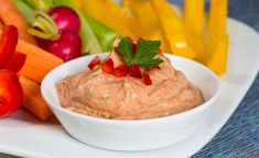 Enjoy fresh garden flavors of tomato, basil and garlic year round in this simple creamy Sun Dried Tomato Dip Appetizer Dips, Appetizer Recipes, Dip Recipes, Cooking Recipes, Fruit Recipes, Sundried Tomato Dip, Healthy Dips, Healthy Recipes, Dried Tomatoes