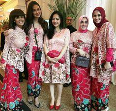 519 Best Inspirasi Kebaya Vani Images Batik Kebaya Batik Dress