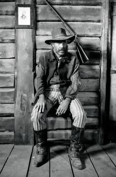 'Photographing unreal people in unreal settings at real moments': Unpublished photos form Sergio Leone's 'Once Upon a Time in the West' ~ The Washington Post – The Rōbert [Cholo] Report (pron: Rō'bear Re'por) Charles Bronson, Monument Valley, Italian News, Sergio Leone, West Art, Chef D Oeuvre, Western Movies, The Washington Post, Antique Photos
