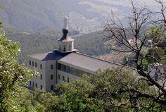 Vista del Santuario de la Virgen de los Lirios en el Paraje Natural Fuente Roja. #Alcoy #Alcoi #naturaleza