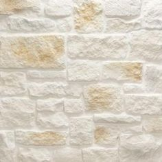 Bring the look of the hill country limestone quarries to your project with Veneerstone Austin Stone Bisque Corners Bulk Pallet Manufactured Stone. Stone Veneer Siding, Stone Veneer Fireplace, Limestone Quarry, Limestone Wall, Limestone Fireplace, Manufactured Stone, Faux Stone, Exterior Paint, Natural Stones