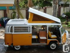 Wat een mooie bus! Leuk dat geel :)