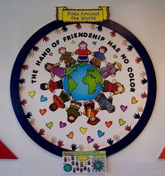 Better Bulletin Boards: Friendship - Kids Around The World Multicultural Bulletin Board, Diversity Bulletin Board, Diversity In The Classroom, Classroom Themes, Classroom Activities, Multicultural Crafts, Children Activities, Preschool Classroom, Friends Bulletin Board