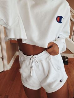 Cute Lazy Outfits, Chill Outfits, Trendy Outfits, Outfits With Sweatpants, Lazy Summer Outfits, Casual College Outfits, Jogger Pants Outfit, Cute Athletic Outfits, Summertime Outfits