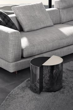 Small sculptural table from Minotti.