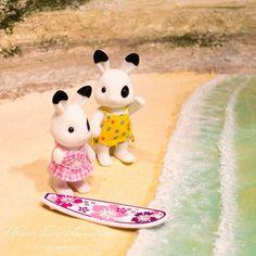 こちらはすっかり夏です☀️そんなわけで、私のシルバニアさん達にもビーチエリアを作成中です🏖 It's so hot in SLC! Feels like it's just the right time to make a beach and boardwalk diorama for my Sylvanians👙I'll post more once I finish😎 #calicocritters #sylvanianfamilies #diorama #beach #ocean #シルバニア #シルバニアファミリー  #ジオラマ #ビーチ #浜 #海辺 #海 #森林家族 #실바니안패밀리 #ミニチュア #miniatures  #handmade #craft #summer