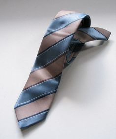 Vintage Early 1960s Mens Necktie with Stripes by VioletsEmporium, $15.00
