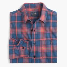 Crew - Midweight flannel shirt in red and blue plaid Red Flannel Shirt, Plaid Shirts, Men's Shirts, Red Shirt, Best Casual Shirts, Clothing Store Design, Check Shirt Man, Moda Casual, Mens Clothing Styles