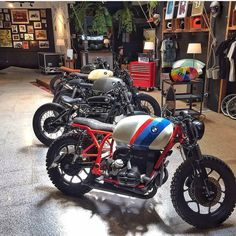 """themotoblogs: """"  @TheMotoBlogs   #TheMotoBlog   What's better then 1 BMW? How about 5 sweet ones. Go checkout @caferacerdreams new showroom. —————————————————- #bmw #bmwmotorrad #crd #caferacerdreams #caferacersociety #caferacerculture (at Cafe Racer..."""