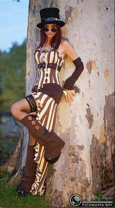 Steampunk costume - idea for renfest? Steampunk Cosplay, Viktorianischer Steampunk, Steampunk Clothing, Steampunk Fashion, Gothic Fashion, Style Fashion, Steampunk Dress, Gothic Clothing, Steampunk Necklace