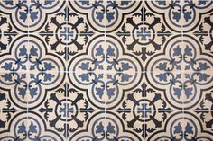 Wall Tile: Olde English Design on Travertine.