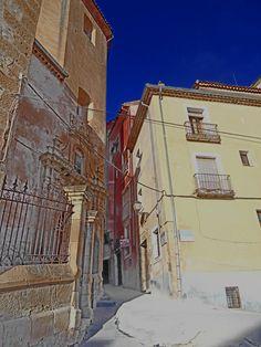 Calle en cuesta junto a San Felipe Neri