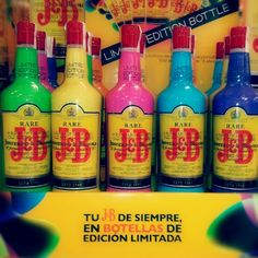 Coloridas botellas de JB Edición Limitada 2012