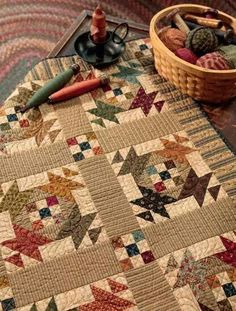 Kim Diehl combines traditional patchwork with modern techniques to create beautiful quilts, table toppers and more. Its full size applique patterns, Kim's Pin Point tip boxes and a Quiltmaking Basics section make this simple to use. Primitive Quilts, Antique Quilts, Vintage Quilts, Vintage Sewing, Scrappy Quilts, Mini Quilts, 9 Patch Quilt, Quilt Blocks, Quilting Projects