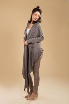 stylish cardigan for any occasion Everyone looks fabulous in our wrap cardigan, a MUST HAVE item! Wear it all year round - wrap, drape, tie, and wear it your way. Available sizes: One size fits all Wrap Cardigan, Winter Cardigan, Must Have Items, One Size Fits All, Must Haves, Maternity, Tie, Stylish, How To Wear