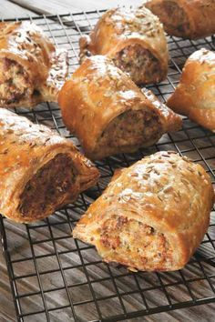 We love a sausage roll but it's hard to get good ones and even harder to know if the pork in them is free-range or organic. Far better to make your own for the party season. Pastry Recipes, Cooking Recipes, Pie Recipes, Dinner Recipes, Savory Pastry, Savoury Pies, Pub Food, Food Food, English Food