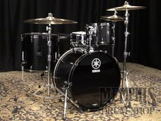 Yamaha Live Custom Drum Set 22/12/16 - Black Wood - Drum Sets