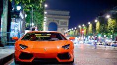 Oh la la! This seductive Lamborghini Aventador hits the Champs-Élysées in Paris. A stunning scene. Click for more #autoart like this #supercars #spon