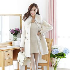 You like it posh? Get this gorgeous fur collar coat with 50% OFF. We have it black & white. Which color would you like? Click on the picture & get it.