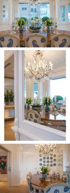 living-gazette-barbara-resende-decor-tour-apto-maria-rudge-theodora-home-sala-jantar-azul-branco-espelhos-lustre-cristal