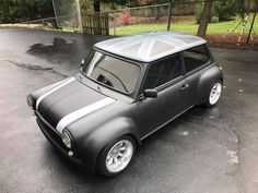 What a beautiful mini! Mini Cooper S, Mini Cooper Classic, Classic Mini, Classic Cars, My Dream Car, Dream Cars, Mini Morris, Automobile, British Sports Cars