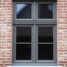 Nieuwbouw in PVC kwartsgrijs (RAL 7039) | has. ramen en deuren House Doors, House Windows, House Entrance, Pvc Ramen, Victorian Front Garden, Brick Design, House Landscape, Window Frames, Window Design