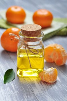 Mandarin Cold Pressed Essential Oil 30 Ml / 1 Oz. Amber Glass Bottles, Citrus Oil, Parts Of A Plant, Lemon Balm, Carrier Oils, The Cure, Essential Oils, Pure Products, 100 Pure