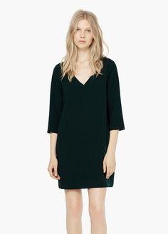 Vestido escote pico | MANGO