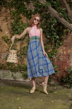 Rosie Assoulin - Resort 2018 Rosie Assoulin Resort 2018 Fashion Show Collection See the complete Rosie Assoulin Resort 2018 collection. Fashion Kids, Fashion 2018, Fashion Week, Retro Fashion, Womens Fashion, Fashion Design, Fashion Trends, Mode Tartan, Chic Outfits