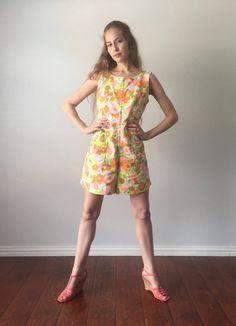 7a95c4793b29 Vintage 1960s Romper   Psychedelic Mod Go-Go Floral Print 60s Romper    Front Zip Culottes Hippie Romper   Size M Medium   L Large