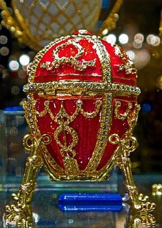 Another beautiful Faberge Fabrege Eggs, Faberge Jewelry, My Life Style, Imperial Russia, Egg Art, Objet D'art, Egg Decorating, Oeuvre D'art, Monuments