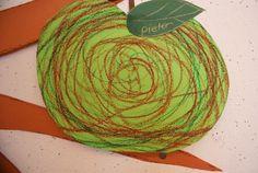 Activities For 1 Year Olds, Nursery Activities, Autumn Leaves, Art For Kids, Pear, Art Projects, Kindergarten, Halloween, Apple