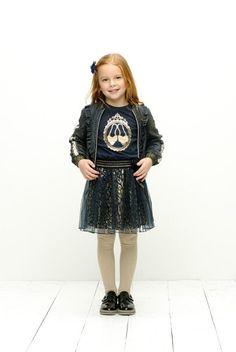 MUSTHAVE! Wij zijn verliefd op deze rok! De onderrok is bedrukt met gouden luipaard print, helemaal te gek toch?! #lechic #goud #leopard #kidsfashion #blauw #girls #meisjes #kindermode Zara, Petticoats, Pullover, Harajuku, Chic, Spotlight, Outfits, Fashion, Tulle