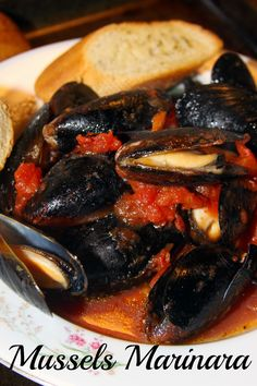 Healthy Italian Steamed Mussels Marinara - fresh and flavorful and best served with crusty bread.