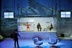 Schaubühne – Plastik. Regie: Marius von Mayenburg. Stage and costumes: Nina Wetzel