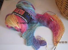 Langoista Leikiten: Lohikäärmeenhäntä Dragon Tail, Knitted Shawls, Fingerless Gloves, Arm Warmers, Knitting Patterns, Knit Crochet, Wraps, My Style, Scarfs