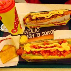 Yumm! #Foodporn #Doggis #Chile #Completo #SCL