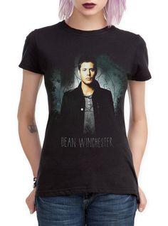 Fitted+black+tee+from+Supernatural+with+Dean+Winchester+design+on+front.