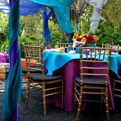 Turquoise Wedding Decorations, bright and beautiful. #turquoisewedding