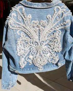 Painted Denim Jacket, Painted Jeans, Estilo Jeans, Denim Outfits, Jeans Denim, Embellished Jeans, Denim And Lace, Couture Collection, Denim Fashion