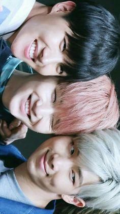 Heheo sorriso do J-Hope e do Suga.....