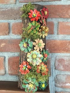 Handmade, Wood Framed Pinecone Flowers With Moss Log Framed - - Handmade, Wood Framed Pinecone Flowers With Moss Log Framed Wreath crafts Handgemachte Holz gerahmte Tannenzapfen Blumen mit Moos Log gerahmt Pine Cone Art, Pine Cone Crafts, Pine Cones, Wreath Crafts, Painted Pinecones, Pine Cone Decorations, Diy Bottle, Nature Crafts, Diy Candles