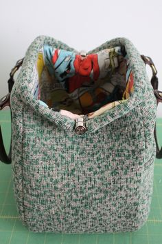 Tutorial: Piping a Mary Poppins Carpet Bag & Pattern Give Away! / Britex Fabrics | Britex Fabrics